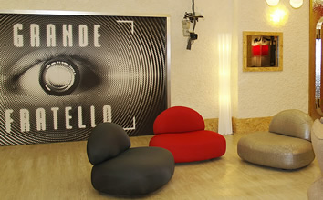 Esedra design design furniture news il grande for Arredamento grande fratello